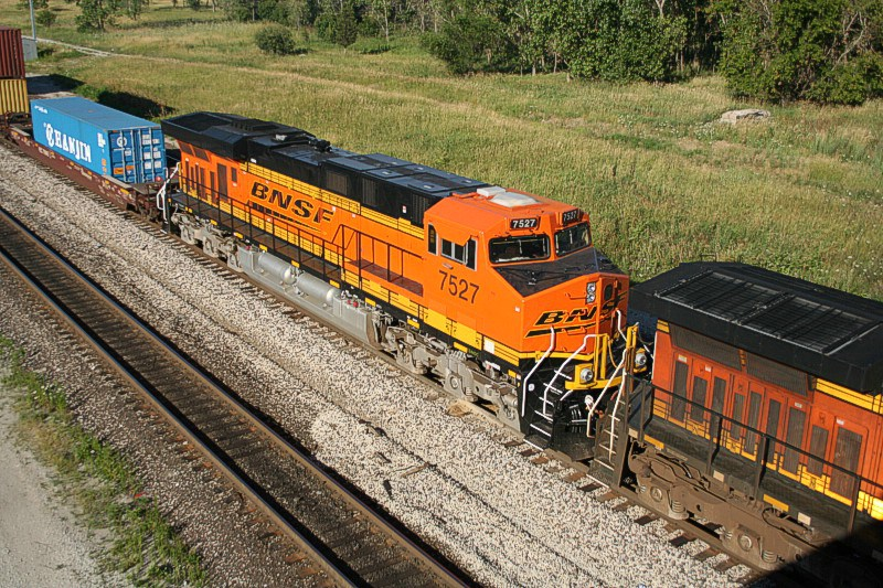BNSF 7527